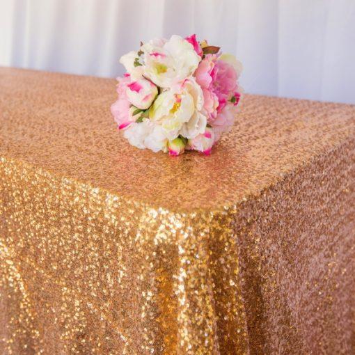 Tablecloths & Linen